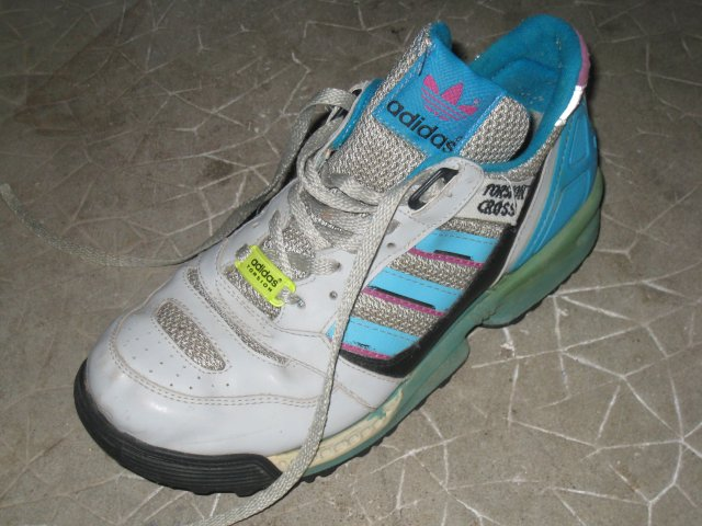Souvenirs : Adidas Torsion Cross