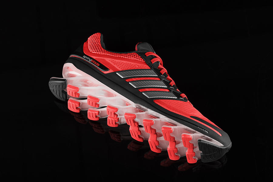 uk store lower price with no sale tax Adidas Spring Blade : la chaussure à ressort