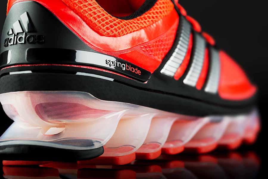 meilleure sélection 1e6e5 ac2f0 Adidas Spring Blade : la chaussure à ressort